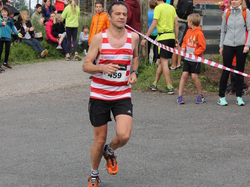 <a href='/uploaded/photo/trail-2015-arrivees-et-podiums-557ac89ca8553.jpg' style='color : #fff;'>(Télécharger)</a>