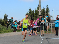 <a href='/uploaded/photo/trail-2015-arrivees-et-podiums-557ac8a2b7f78.jpg' style='color : #fff;'>(Télécharger)</a>