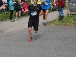 <a href='/uploaded/photo/trail-2015-arrivees-et-podiums-557ac9a3ac362.jpg' style='color : #fff;'>(Télécharger)</a>