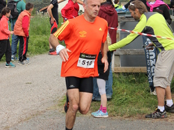<a href='/uploaded/photo/trail-2015-arrivees-et-podiums-557acb61842db.jpg' style='color : #fff;'>(Télécharger)</a>