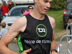 <a href='/uploaded/photo/trail-2015-arrivees-et-podiums-557acd81f28d4.jpg' style='color : #fff;'>(Télécharger)</a>