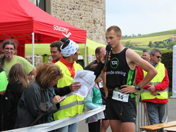 <a href='/uploaded/photo/trail-2015-arrivees-et-podiums-557acd9a69d37.jpg' style='color : #fff;'>(Télécharger)</a>