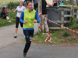 <a href='/uploaded/photo/trail-2015-arrivees-et-podiums-558430252cb61.jpg' style='color : #fff;'>(Télécharger)</a>
