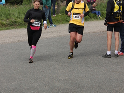 <a href='/uploaded/photo/trail-2015-arrivees-et-podiums-559f67965c238.jpg' style='color : #fff;'>(Télécharger)</a>