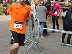 <a href='/uploaded/photo/trail-2015-arrivees-et-podiums-559f69e20640a.jpg' style='color : #fff;'>(Télécharger)</a>