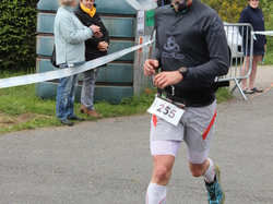 <a href='/uploaded/photo/trail-2015-arrivees-et-podiums-559f69eba8588.jpg' style='color : #fff;'>(Télécharger)</a>