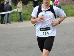 <a href='/uploaded/photo/trail-2015-arrivees-et-podiums-559f6a6dbf36f.jpg' style='color : #fff;'>(Télécharger)</a>