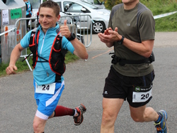 <a href='/uploaded/photo/trail-2015-arrivees-et-podiums-559f6b78612a6.jpg' style='color : #fff;'>(Télécharger)</a>