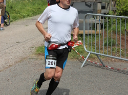 <a href='/uploaded/photo/trail-2015-arrivees-et-podiums-559f6c7864f5a.jpg' style='color : #fff;'>(Télécharger)</a>