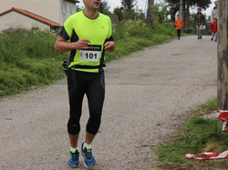 <a href='/uploaded/photo/trail-2015-arrivees-et-podiums-559f6dc6e0f55.jpg' style='color : #fff;'>(Télécharger)</a>