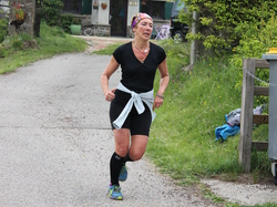 <a href='/uploaded/photo/trail-2015-arrivees-et-podiums-559f6dca97452.jpg' style='color : #fff;'>(Télécharger)</a>