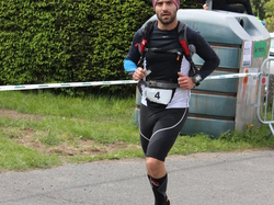 <a href='/uploaded/photo/trail-2015-arrivees-et-podiums-559f6ecaac929.jpg' style='color : #fff;'>(Télécharger)</a>