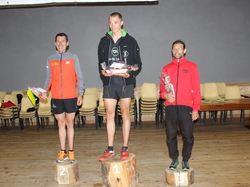 <a href='/uploaded/photo/trail-2015-arrivees-et-podiums-559f723325088.jpg' style='color : #fff;'>(Télécharger)</a>