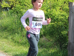 <a href='/uploaded/photo/trail-2015-courses-enfants-557a8320012ca.jpg' style='color : #fff;'>(Télécharger)</a>