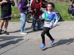 <a href='/uploaded/photo/trail-2015-courses-enfants-557a8c6ae4db7.jpg' style='color : #fff;'>(Télécharger)</a>